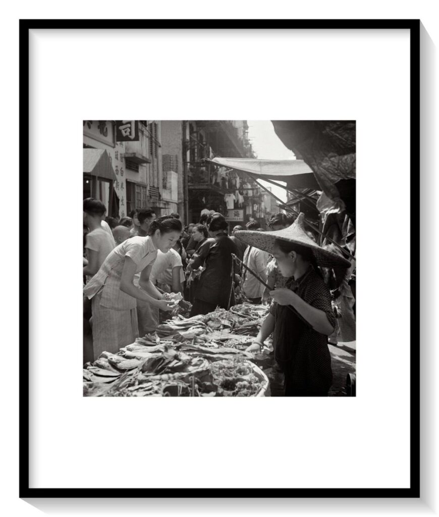FairBargainPlease半斤八両_fin_A2_a1_mat_frame-870x1024 FAN HO     Il primo street-photographer
